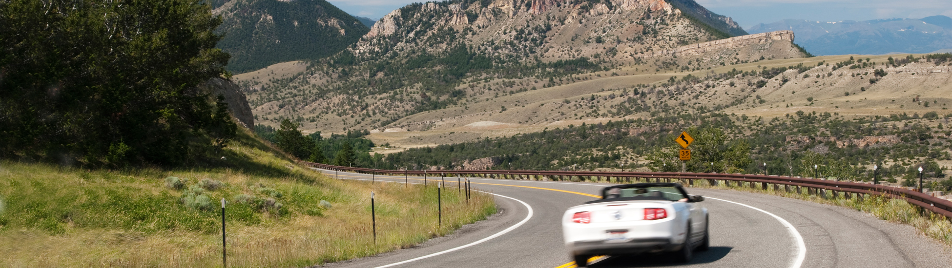 banner-cabriolet-route-montagne--photosbyjim-istock